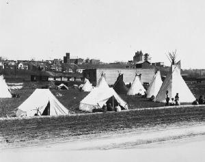 First Nations tents in Rossdale, 1920. Photo courtesy of City of Edmonton Archies, EA-160-165